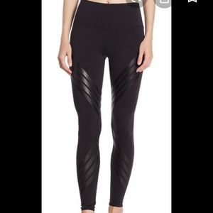 Alo High-Waisted Airbrush Leggings